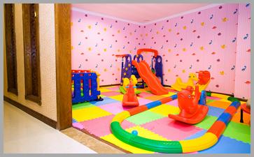 室内儿童游戏活动